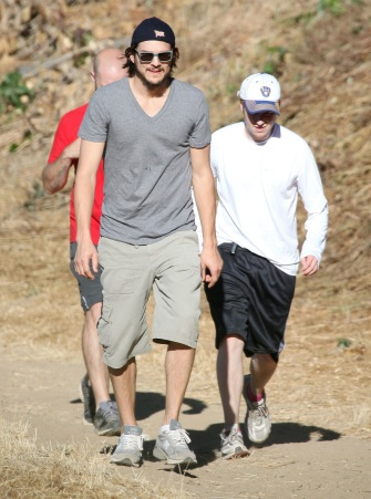 Ashton Kutcher hikes Franklin Canyon with friends.