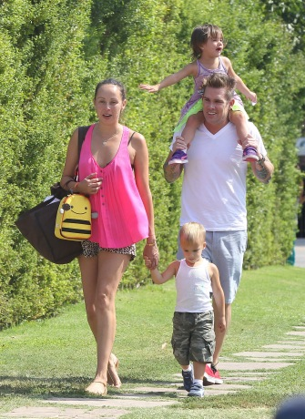 Mark McGrath with fiance Carin Kingsland and twins Lydon and Hartley.